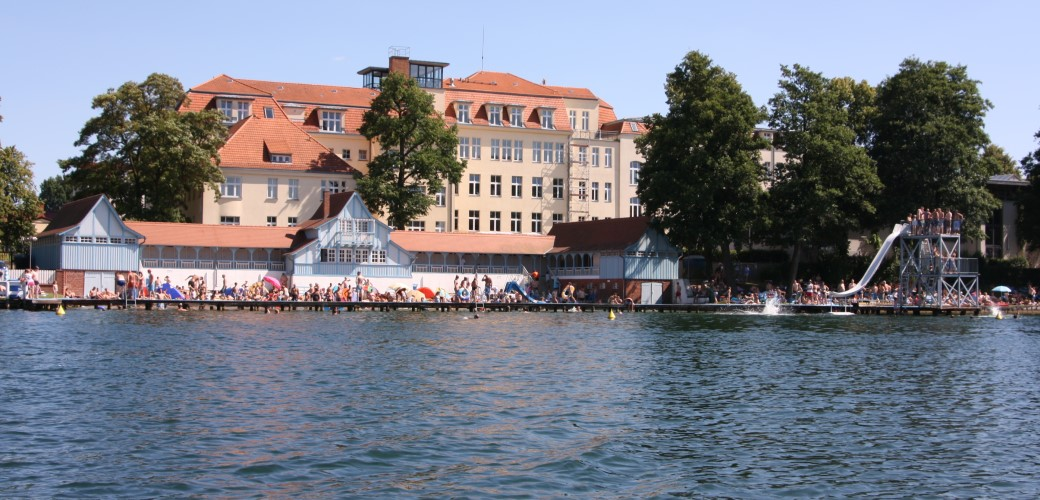 Städtische badeanstalt freibad strausberg strausberg